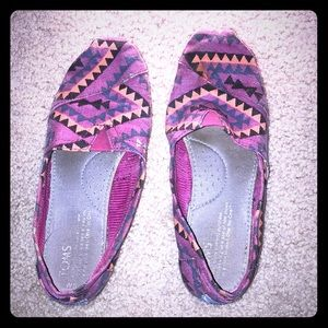 TOMS pattered flats